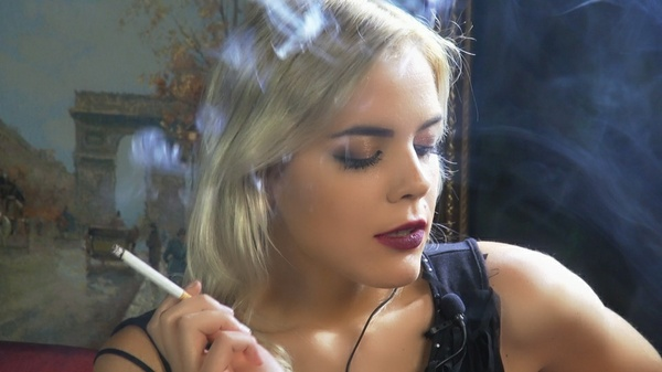 Smoking Model Nadia3.