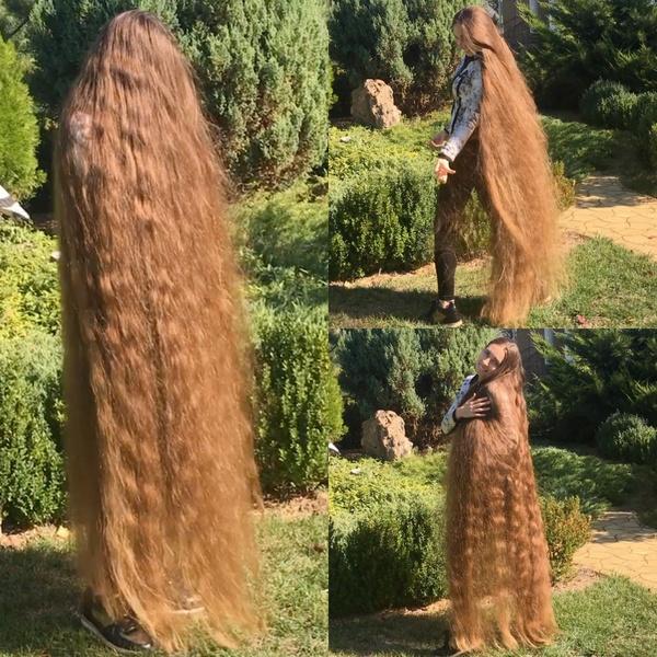 VIDEO - Sunny hair play (floor length)
