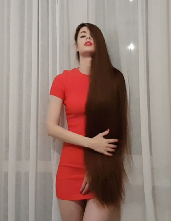 VIDEO - Thigh length hair and a red dress