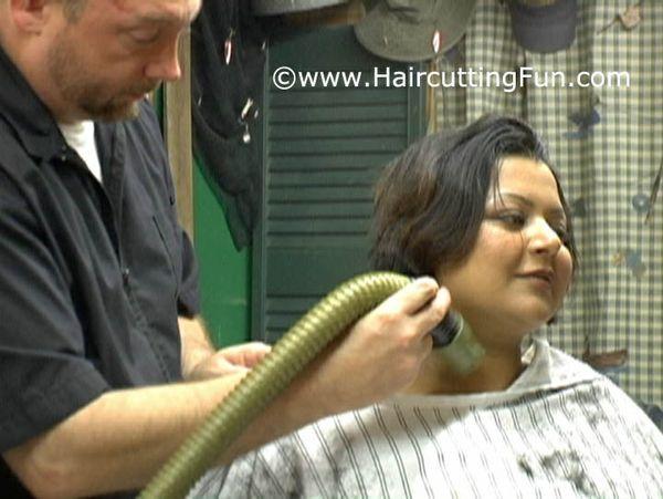 Tinkai's Barbershop Bob Haircut