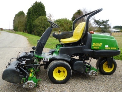 John Deere Professional Greens Mower 2500, 2500A, 2500E Technical Manual
