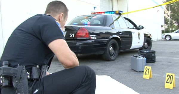 Police man Radio's in - Body Bag