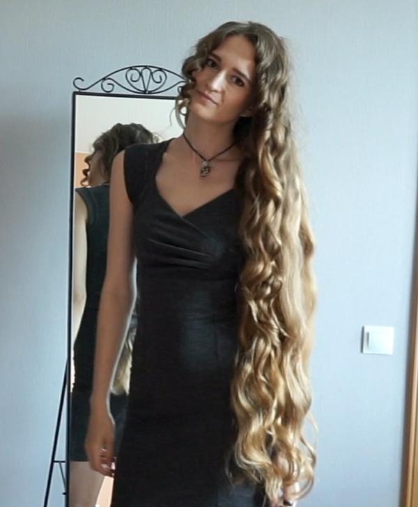 VIDEO - Unleashing the curls