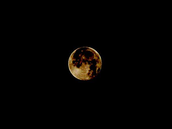La Luna el dia 01-01-2010 x lluis Un dia muy Espacial
