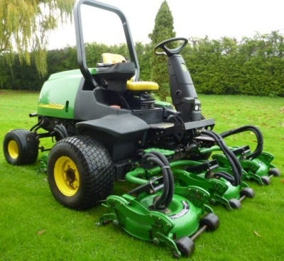 John Deere Lightweight Fairway Mowers 3225C, 3235C, 3245C Technical Service Manual