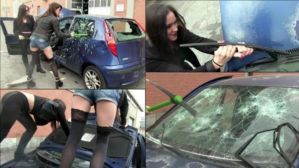 161 : Miss Iris and Miss Black Mamba destroy the Fiat Punto