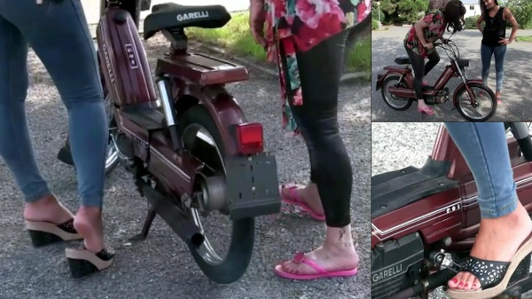 104 : Miss Vicky & Miss Iris having fun with a moped Garelli