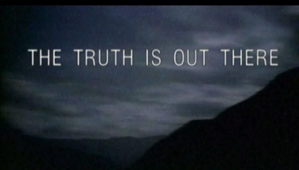 """Trippy Outer Space Beat - """"The Truth Is Out There"""""""