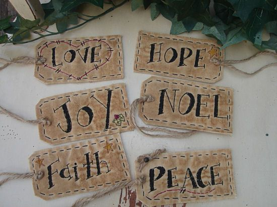#09 Christmas Words Tags E Pattern