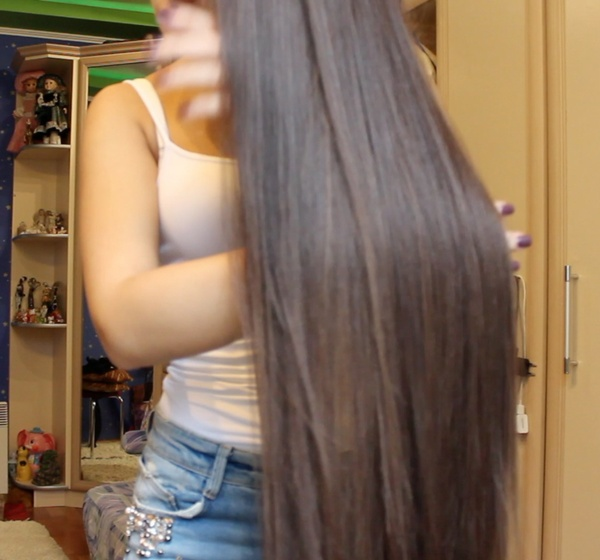 VIDEO - Diana´s hair drying
