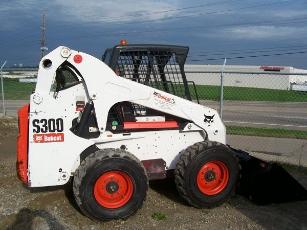 Bobcat S300 Skid - Steer Loader Service Repair Workshop Manual DOWNLOAD (S/N AJ4M11001 & Above )