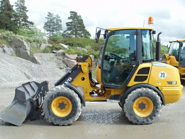 VOLVO L25F COMPACT WHEEL LOADER SERVICE REPAIR MANUAL - DOWNLOAD