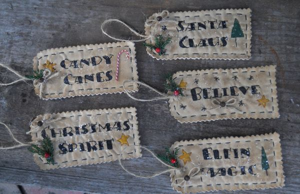 #18 More Christmas Words Tag E Pattern